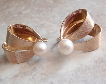 Winard Pearl Earrings Ribbon Bow 1/20 12K Gold Filled High Luster 7.5mm Pearl Clip On Vintage 030515SC