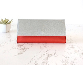 Red vegan clutch wallet red women wallet women large, Christmas gift for sister, cruelty free wallet, red card holder, christmas vegan gifts