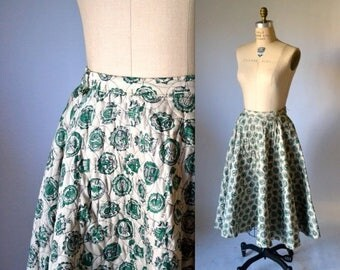 SALE 50s Circle Skirt Size Small Medium Quilted with Ivy League College Emblems// 1950s Vintage Full Circle Skirt Tan and Green