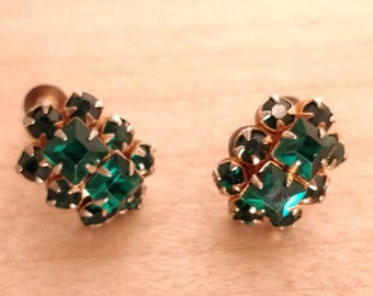 Retro emerald green crystal screw back earrings