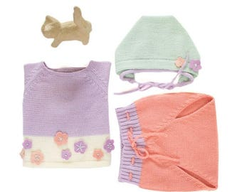ON SALE Knitted baby set. Sweater, diaper cover and cap. Pastel colors. Felt flowers. 100% merino wool. READY To Ship size newborn.