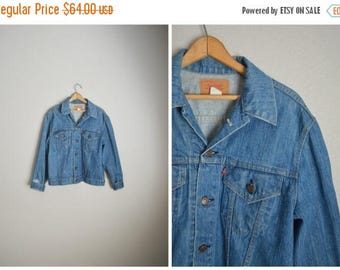 Summer SALE - 20% off - vintage 70s levis type 3 denim jean jacket -- distressed -- mens 44