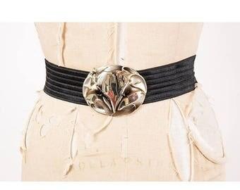 FLASH SALE... Vintage elastic stretch belt / 1980s black waist cincher / Calla Lilies / Wide belt with over sized Calla Lily buckle / M L