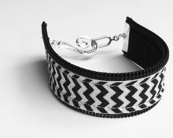 Chevron bracelet with zipper accent. black zipper accent on black and white chevron. Choose toggle clasp or lobster clasp.