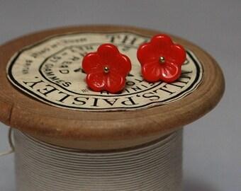 Vintage rouge fleur earrings