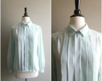 Summer Sale Vintage soft mint green sheer blouse / pleated front / size medium / collared