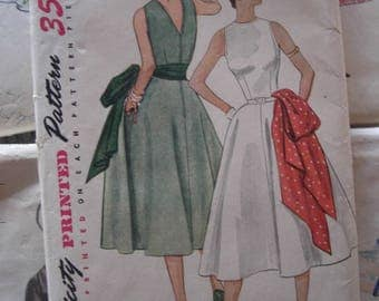 Vintage Sewing Pattern 1950 Full Skirted Dress Fitted Bodice V Back