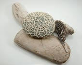 Crochet Stone Pattern, DIY, Lace Stone Cover Pattern, Rock Cozy Pattern, Bee Blossom, Beach house decor, Tabletop decor, bowl element