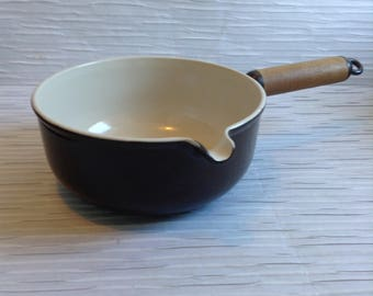 Le Creuset Cast Iron Enamel Sauce Pan.  #20.  Wood Handle.  Brown & Cream.  Mid century, Eames era. France. Vintage  1960