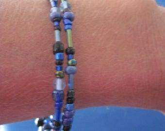Hand Made Double Wrap Blues & Black Memory Wire Bracelet...... ..1511h
