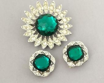 Emerald Green Rhinestone Brooch Set - Sarah Coventry Statement Rhinestone Brooch Earrings Set - Green Flower Jewelry Set - Clip On Earrings