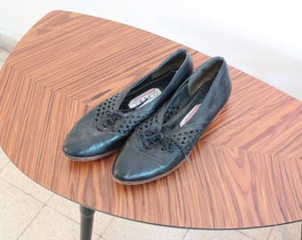 Vintage Womens 9 Narrow Connie Black Lace Up Oxfords Pointy Toe Flats Woven