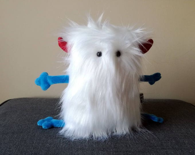 Furry Muma White Monster Plushie, Little Pocket Fur Monster Stuffie Toy, Funny Pocket Plush