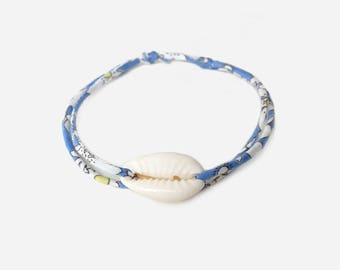 Liberty bracelet with cowrie
