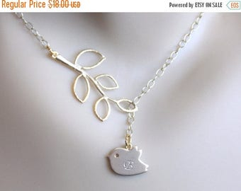 SALE Personalized Gold Bird Lariat Necklace, Initial Necklace, Initial Bird Pendant, Birdie, Stamped, Baby Shower, New Baby, New Mom Necklac