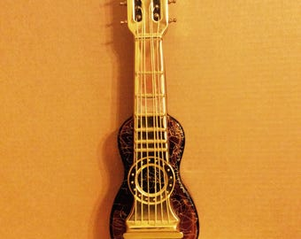 Vintage Guitar Musical Liquor Decanter Plays How Dry I Am Japan Kitsch