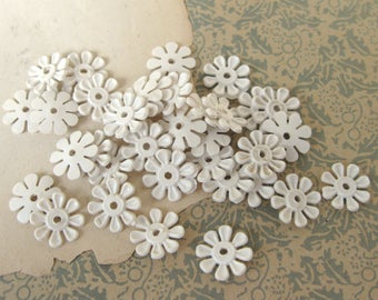 Vintage Off White Small Rubber Daisy Flower Embellishments 13mm or 1/2 inch (36)