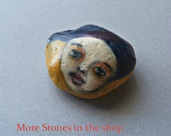 Pebble Art Stone Folk Art Face, Painted Girl Face Paperweight, Folk Art Table Decor, Face Art Stone ooak, Stone Paperweight, Keepsake Stone