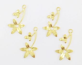 Gold Flower, Wedding Headpiece Supply, Left Facing Flower, Brass Leaf Stamping, Flower Charm, Charm Drop, 16mm x 30mm - 4 pcs. (gd143)