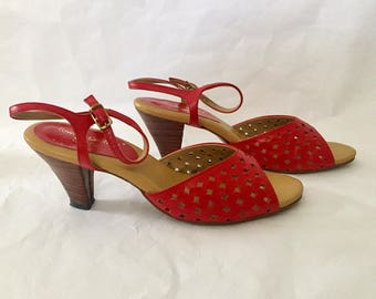 Vintage 1970s Town & Country Red Leather Heels Sandals 8 Narrow