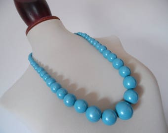 AZURE PEARLS . Chunky Rockabilly Mod Round Ball Bubble Bobble Beads Vintage Necklace Pinup Graduated 80s
