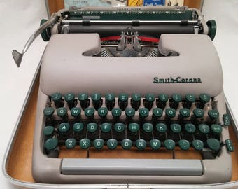 1958 Vintage Smith Corona Super-Silent Portable Typewriter With Case & Extras - Functional and Working Very Well - Ready to Type On Arrival