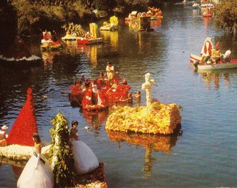 Vintage Post Card 1950s, Capitola, California, Begonia Festival, Colored Blossoms, Marine Floats, River, Water, Postcard, USA, Unposted