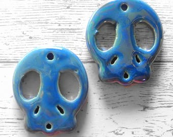 Set of 2 skulls Pearly Blue ceramic, sugar skull, skull, skull, Mexican, skull charm