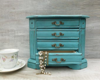 Distressed Jewelry Box in Turquoise
