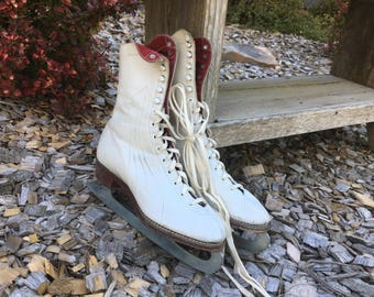 Vintage White  Figure Skates, Women's White Leather Skates, Christmas Decor, Ice Skates, Winter Sports Gear, Home Decor, Skating, Decorating