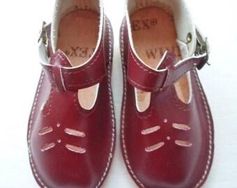 ON SALE Vintage Winnertex Little Girls Shoes, Burgundy, Size 4, Mary Jane, T-Strap, Hong Kong, Like New, Lightweight, Toddler Shoe, Baby Sho