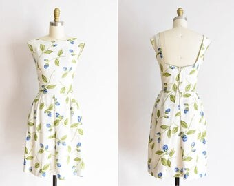 1950s De La Rosa dress /vintage 1950s rose daydress/ Pat Premo linen floral dress