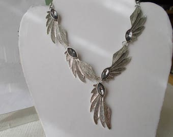 Silver Tone Chain Necklace with Silver Tone Leaf Pendant
