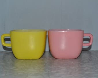 Glasbake Pastel Lipton Soup Mugs  Set of 2 ~ Square Coffee Cup ~ Pink Yellow Cups ~ Epsteam