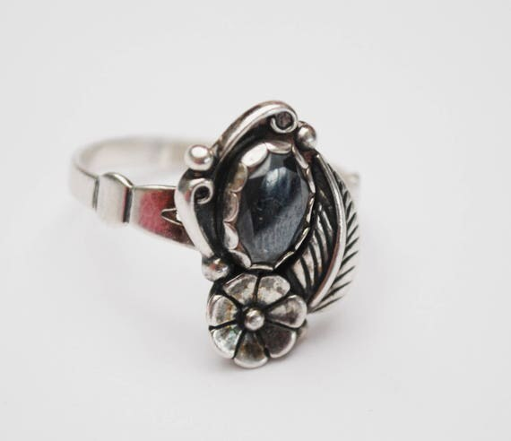 Hematite ring Sterling - Wheeler mfg Company - size 9 1/2 - flower -  Native American tribal southwestern ring