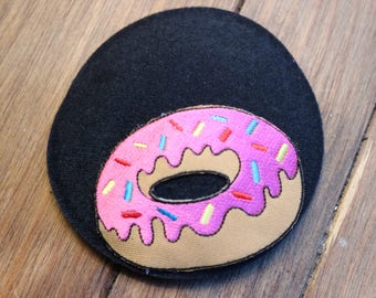 Black doughnut fascinator