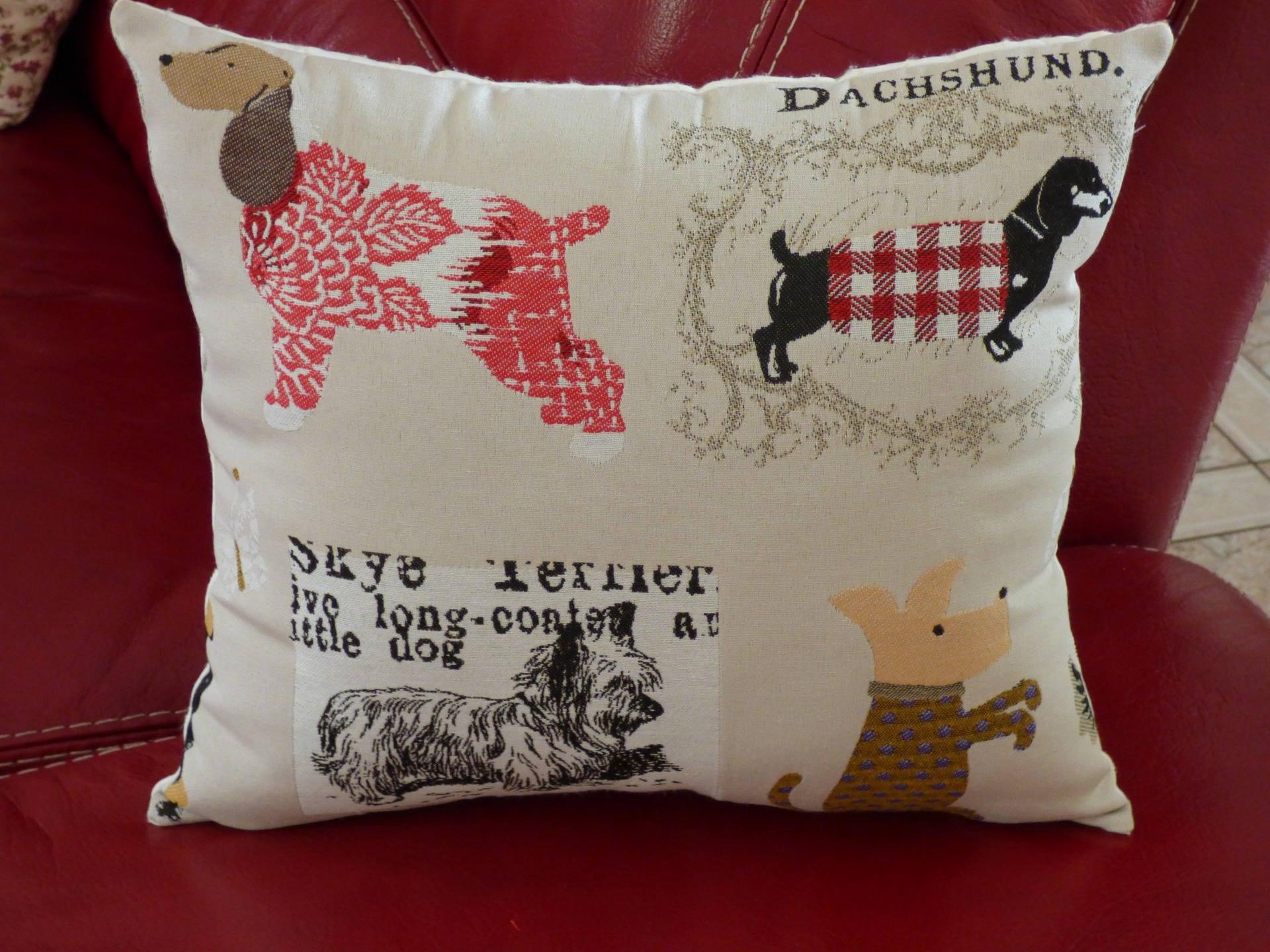 coussin chiens ameublement fait main coussin de d coration. Black Bedroom Furniture Sets. Home Design Ideas