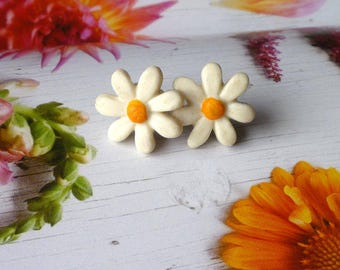 Daisy Earrings, Daisy Post Earrings, Girl Earrings, Handmade clay flower earrings
