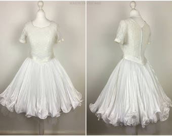 Vintage 1960s Swing Dress - 50s 60s White Fit & Flare Dress - Pleated Full Skirt Dress - Wedding Party - Small - UK 6-8 / US 2-4 / EU 34-36