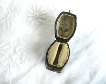 Antique ring box - antique ring box - Victorian leather ring box - Georgian leather ring box - leather wedding ring box