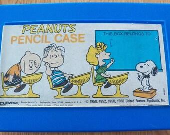 Vintage Blue PEANUTS Charlie Brown Snoopy School Plastic PENCIL CASE Empire