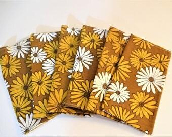 Vintage Retro Floral Napkins - Mod Daisy Pattern - Set of 6 - NOS - Brown - Gold - White - Japan - Flower Power  - 1960's Table Decor