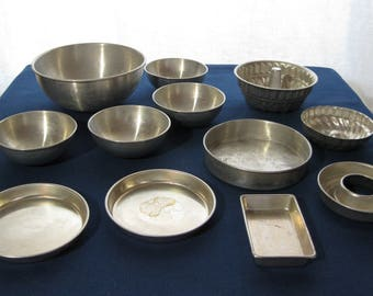 Aluminum Children's Baking Pans & Bowls