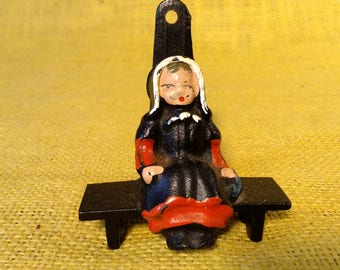 Cast Iron Amish Woman Seated - Hook or Tabletop Holder - Pennsylvania Dutch or Mennonite Couple