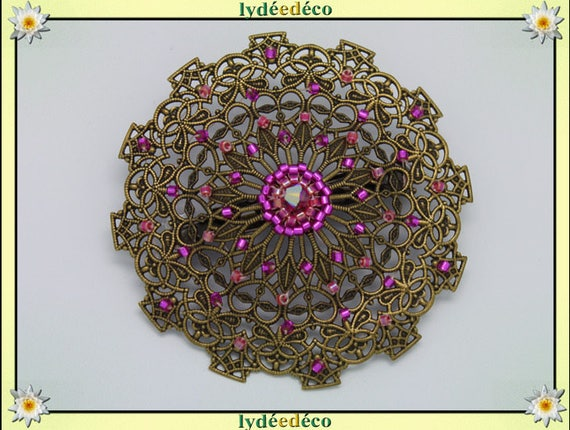 Retro pin vintage lace print hearts dark pink shades fushia woven brass Japanese beads