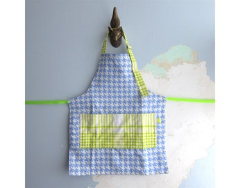 Toddler Apron with pockets - Blue and yellow-green