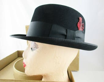 Homburg Hat - 'Towncraft' Brand - Black Color - 7 1/4 - 7 3/8 - Towncraft - XXX Quality - Red Feather - Hat - Black  XXX Finish