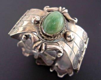 800 Silver Aventurine Hinged Bracelet, Mexico, Vintage 63.9 grams