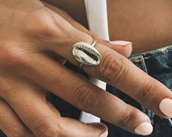 Sterling silver ring,silver shell ring,silver cowrie ring,stacking ring,midi ring,silver cowrie shell ring,thin ring,gift for her,boho ring