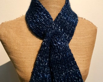 Wool Ease Thick & Quick River Run Keyhole Scarf Item# KSL311181